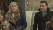 Marine Le Pen aux Invalides pour l'hommage national aux victimes.