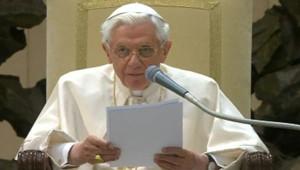 Benoît XVI lors de l'audience hebdomadaire du Vatican, le 13/2/13