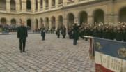 François Hollande arrive aux Invalides pour l'hommage national.
