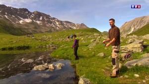En Haute-Savoie, on pratique la pêche en montagne dans le lac Jovet
