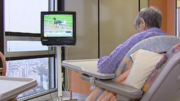 TF1/LCI : Dans une maison de retraite