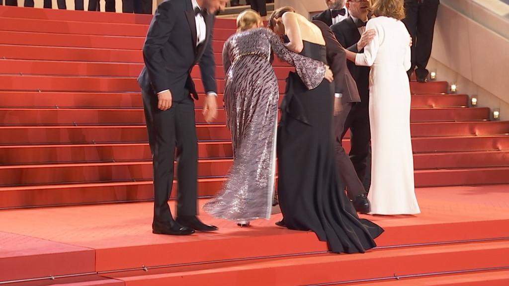 Marion Cotillard Et L A Seydoux Ont Des Probl Mes Avec Leurs Robes Sur Le Tapis Rouge Dossier