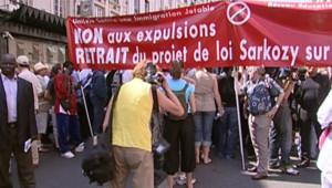 TF1/LCI : Marche parisienne en soutien aux sans-papiers menacés d'expulsion