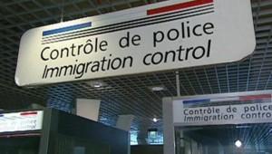 contrôle police aéroport douane immigration