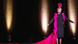 """La comédienne Sylvie Joly, se produit, le 27 mai 2002 au Théâtre du Palais Royal à Paris, lors d'un filage de son spectacle """"Les Best Of"""""""