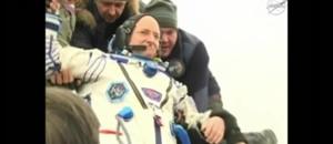 Il est l'Américain qui a passé le plus de temps dans l'espace : Scott Kelly a posé pied à terre