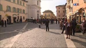 Le 13 heures du 23 mars 2013 : Effervescence �astel Gandolfo pour la rencontre entre le pape Fran�s et Beno�XVI - 185.40300000000002
