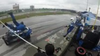 Insolite Indycar accident 2015 mécanicien