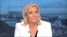 """Le 20 heures du 12 septembre 2013 : Marine Le Pen sur TF1 : """"Le FN sera au 2nd tour dans un grand nombre de villes"""" - 767.258"""