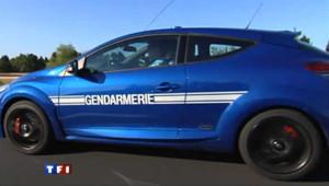 A bord du nouveau bolide de la gendarmerie