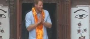 Harry visite népal