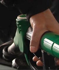 Avec l'essence chère, les Français font moins le plein