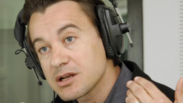 Sami Fehri, le patron d'Ettounsiya TV, lors d'une émission de radio le 24 mars 2011