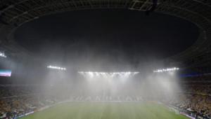 Donbass Arena, le stade de Donetsk, sous les trombes d'eau le 15 juin 2012 alors que le match France - Ukraine devait commencer.