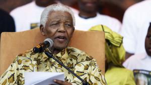 2 août 2008 De plus en plus affaibli par l'âge, Nelson Mandela limite au fil des années ses interventions publiques.