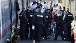 Policier danois migrants police danemark