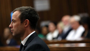 Le sportif sud-africain Oscar Pistorius lors du dernier jour de son procès, le 8 août 2014.