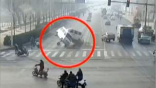 Étrange accident à un carrefour : comment peut-on l'expliquer ?