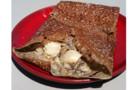 La crêperie La Misaine présente sa recette de la Bigoudène, une galette de blé noir à base de noix de Saint-Jacques et de crème de champignons.