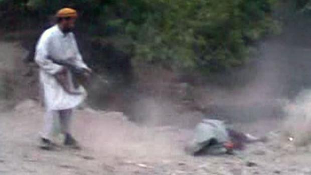 Exécution par balle d'une femme soupçonnée d'adultère dans la province de Parwan à une centaine de kilomètres de Kaboul en 2012