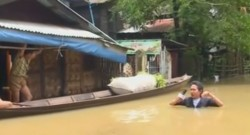Inondations en Birmanie : un journaliste de l'eau jusqu'au cou (03/08)