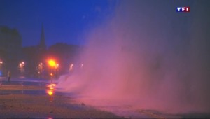 À Saint-Malo, avec la tempête, l'eau s'invite sur la chaussée