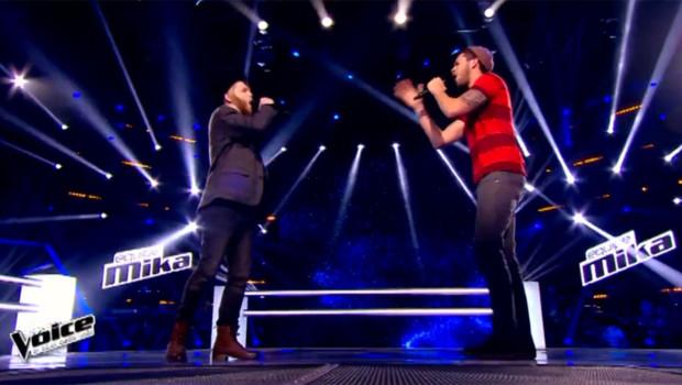 Thomas Kahn et Greg Harrison pendant les battles de The Voice