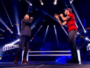 Thomas Kahn et Greg Harrison pendant les battles de The Voice