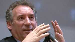 TF1-LCI - Election présidentielle : François Bayrou, à Sciences-Po Lyon, le 7 mars 2007