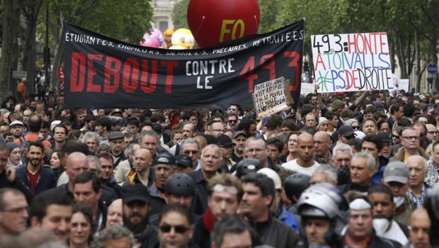 Des manifestants à Paris contre la loi Travail le 17 mai 1016