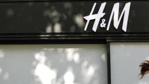 L'enseigne suédoise, H&M, boutique des Champs Elysées à Paris