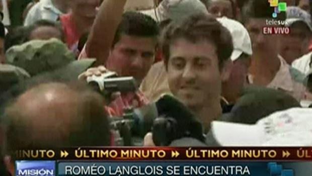 http://s.tf1.fr/mmdia/i/38/1/premieres-images-diffusees-a-la-tv-colombienne-de-la-liberation-10705381firqa_1713.jpg?v=1