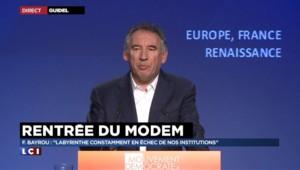 Rentrée du Modem : Bayrou s'inquiète de l'image que renvoie la France aux réfugiés