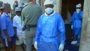 TF1/LCI : les enquêteurs au travail en Guyane sur le lieu de la découverte des 14 corps