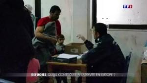 """Au coeur d'un """"hotspot"""", centre d'enregistrement pour migrants"""