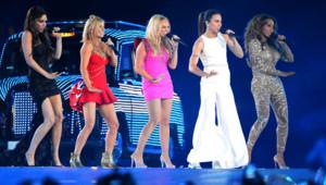 Les Spice girls au grand complet et plus en forme que jamais, sont arrivées en taxi !