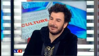 """Michaël Youn invité de la Matinale du 23 Février 2010 pour le film """"Coursier""""."""