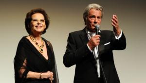 Claudia Cardinale, Alain Delon - Montée des marches Le Guépard Cannes 2010