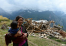 Népal : habitant du petit village de Uiya, proche de l'épicentre du séisme du 25/4/15 qui a fait de nombreuses victimes.