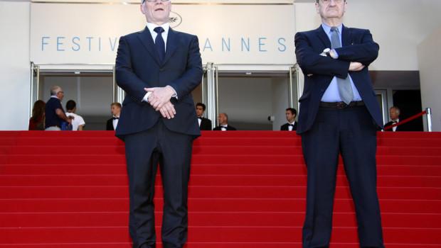 Thierry Frémaux et Pierre Lescure en haut des marches de Cannes le 15 mai 2015