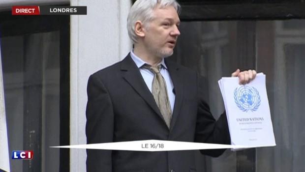 Le rapport de l'ONU à la main, Assange appelle le Royaume-Uni et la Suède à le laisser libre