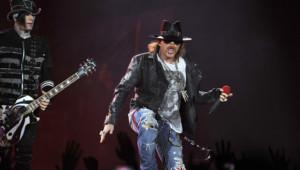 Axl Rose en concert à Londres en mai 2012