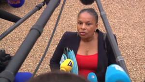 La ministre de la justice à la sortie du Conseil des ministres le 6 novembre 2013.