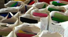 Le 13 heures du 28 août 2015 : Fournitures scolaires : les achats groupés pour une rentrée plus sereine - 337