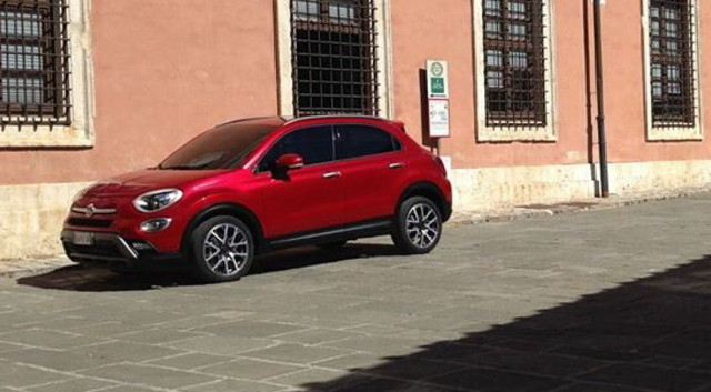 news automoto fiat 500x 2014 une premi re photo du crossover d voil e mytf1. Black Bedroom Furniture Sets. Home Design Ideas