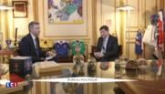 """Patrick Kanner collectionneur : le ministre """"vole"""" les crayons sur la table du Conseil des ministres"""