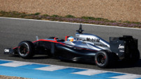 Fernando Alonso effectue le 7è et dernier chrono (1'40.738) sur la McLaren MP4-30 à moteur Honda aux essais F1 de Jerez (Espagne) le 1er février 2015