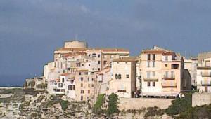 La ville de Bonifacio (Corse-du-Sud)