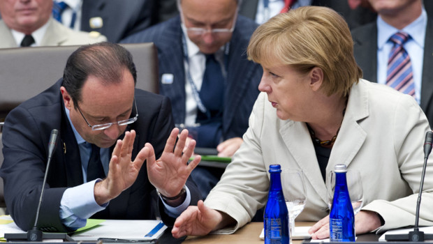Franois Hollande et Angela Merkel, au sommet de l&#039;Otan, le 21/5/12