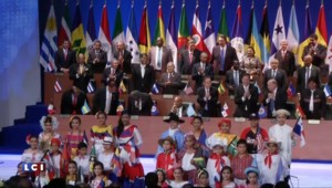 La poignée de mains symbolique entre Obama et Castro a bien eu lieu